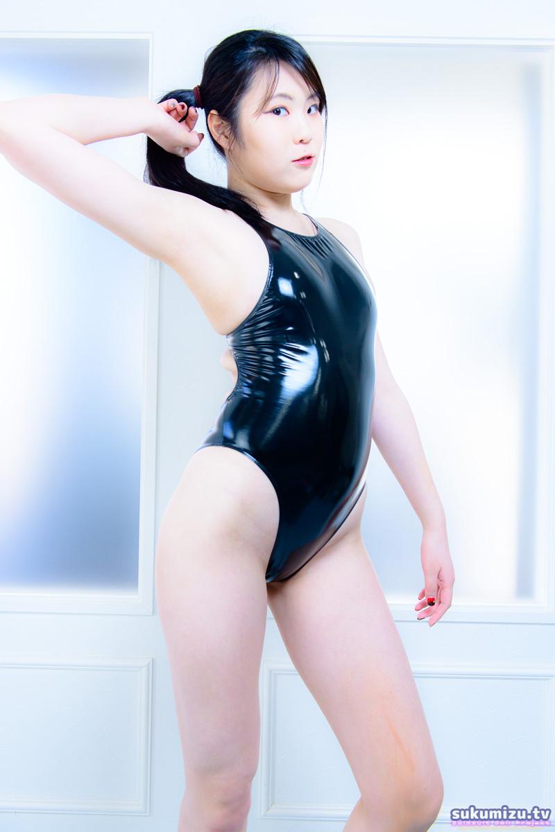 LEOHEX エナメル競泳水着×蓬田みう(1)