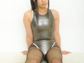 realise N-909 リフレクターパイピングスーツ ガンメタ×怜夜(1)