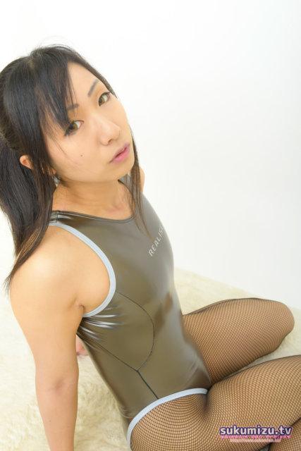 realise N-909 リフレクターパイピングスーツ ガンメタ×怜夜(3)